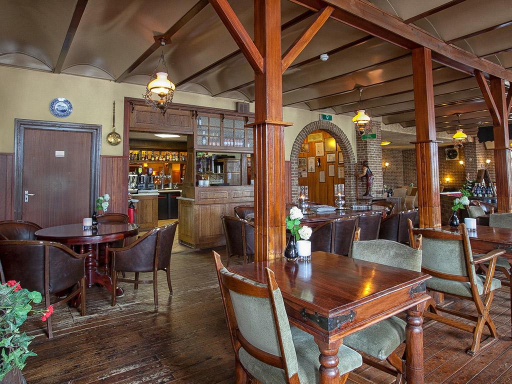 top restaurant in dwingeloo fletcher landhotel de borken. Black Bedroom Furniture Sets. Home Design Ideas